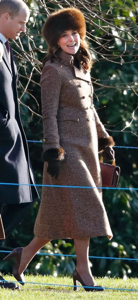 Kate Middleton is Five Months Pregnant and Wearing a Coat
