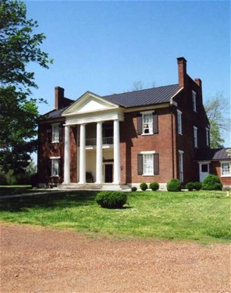 A beautiful old plantation home that has a great Civil War