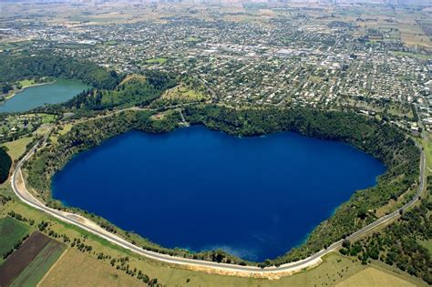 Mount Gambier's Top Attractions - Blue Lake & Much More