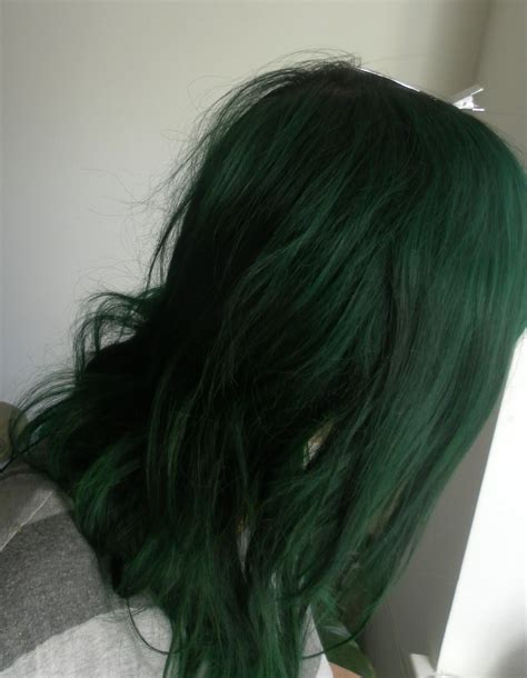 Hey everyone, who makes your favorite green hair color