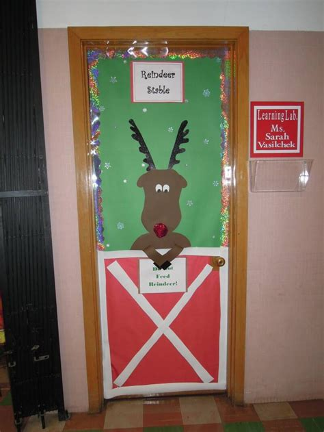 25 Marvelous Classroom Decoration For Christmas - Interior