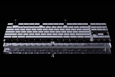 The Ghost Keyboard Creates a Sense of Mystery | Man of Many