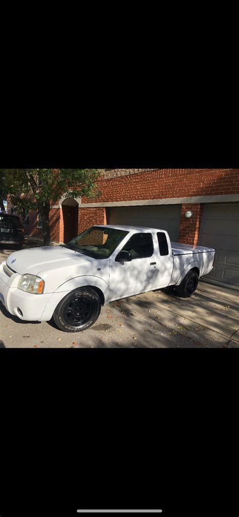 2004 Nissan Frontier stick shift for Sale in Chicago, IL