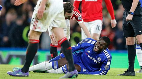 Chelsea's Kurt Zouma out 6 months with ACL tear; to miss