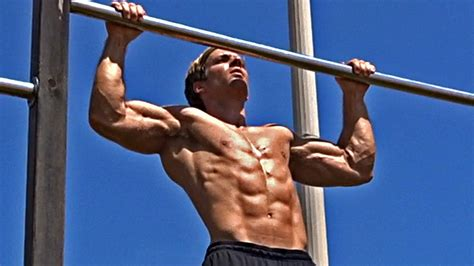 Chin Up Exercise - Chin-Ups for Back Muscles Workout