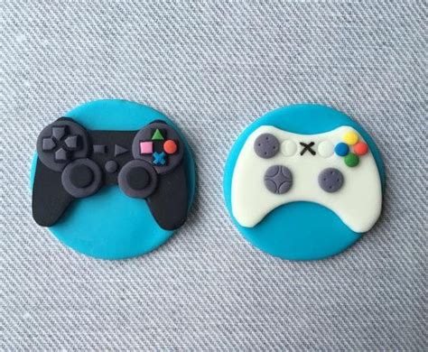 12 PlayStation 4 and XBox game controller fondant cupcake
